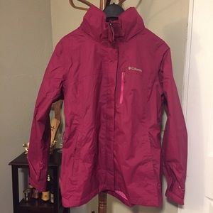 Columbia Women's Large Packable Pouration Jacket